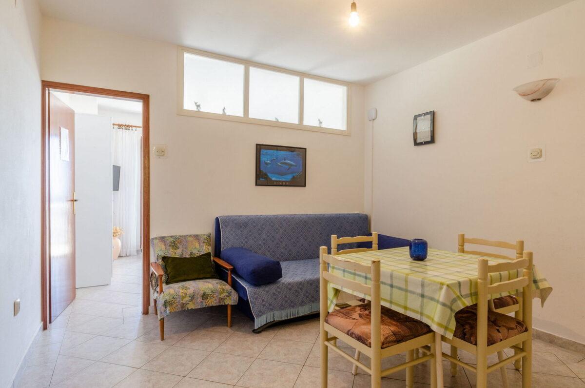 jelica ap2 livingroom kitchen 07 2019 pic 01 1200x795
