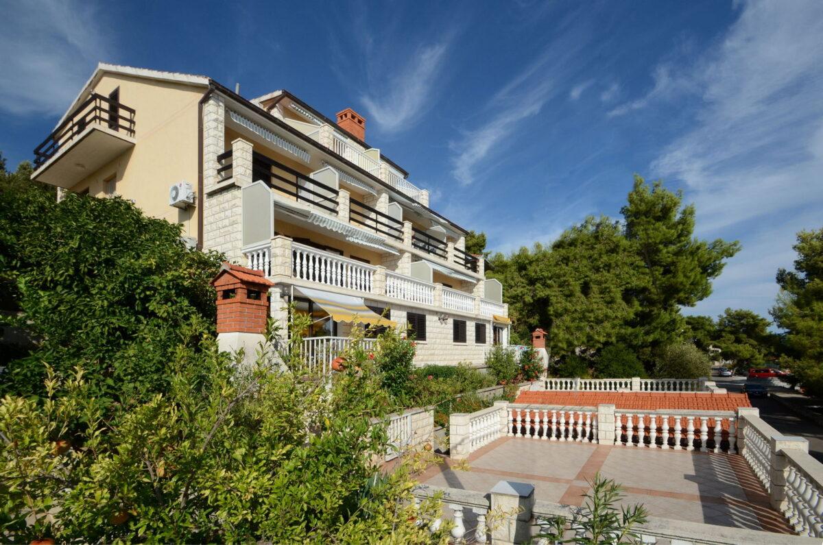 korcula prizba apartments jelica house 02 1200x795